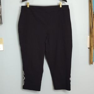 JM Collection Stretch Capri's with Embellishments